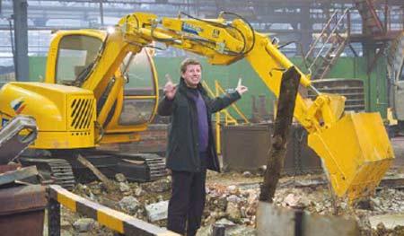 Михаил Ширвиндт и съемочная группа его телекомпании «Живые новости» побывали на ЧТЗ и целый день снимали производственный процесс